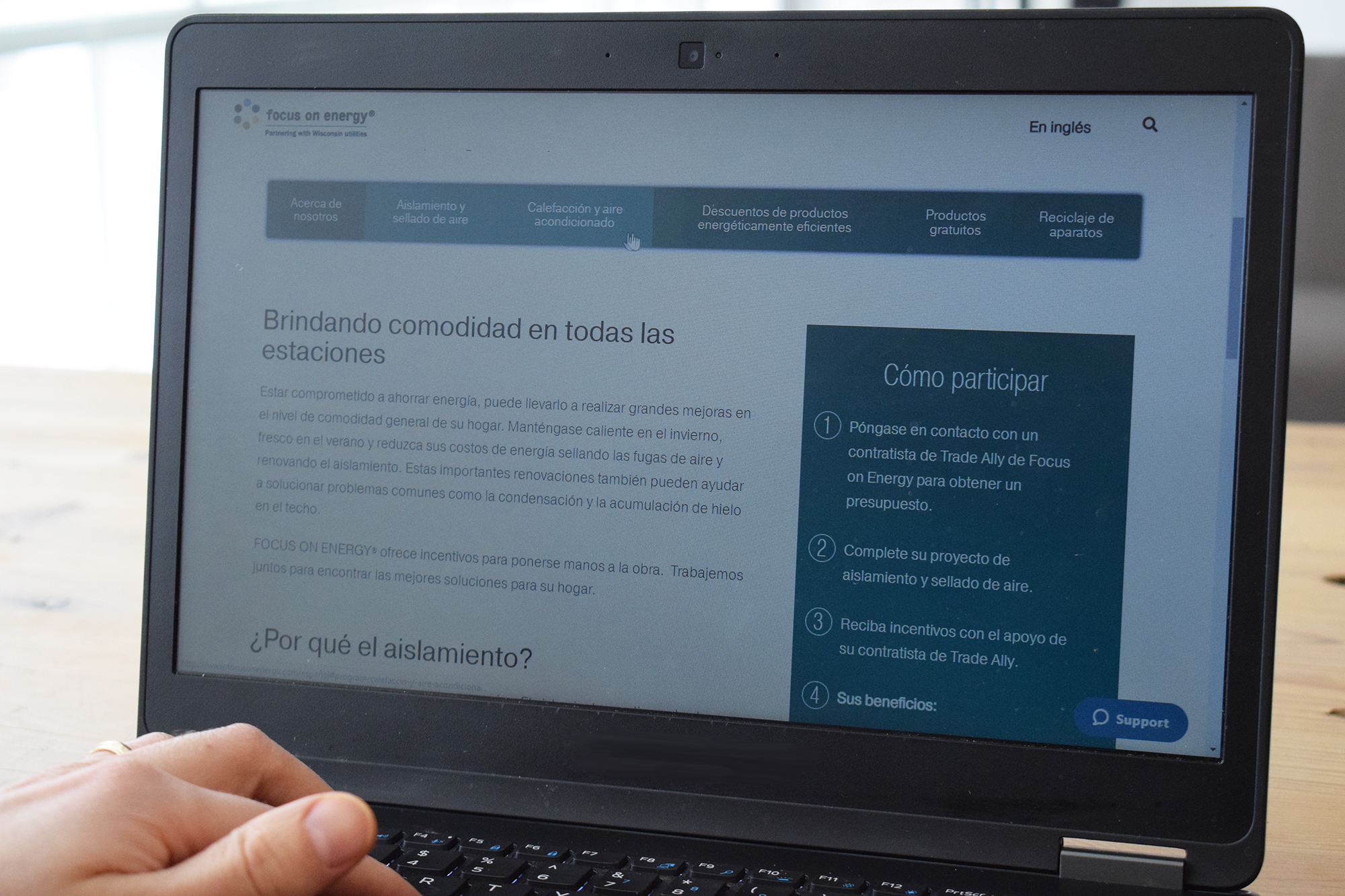 Image of a laptop in use with the focusonenergy.com/español page.